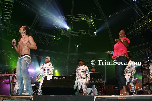 Kes, Nadia Batson and the Eclectik Dancers